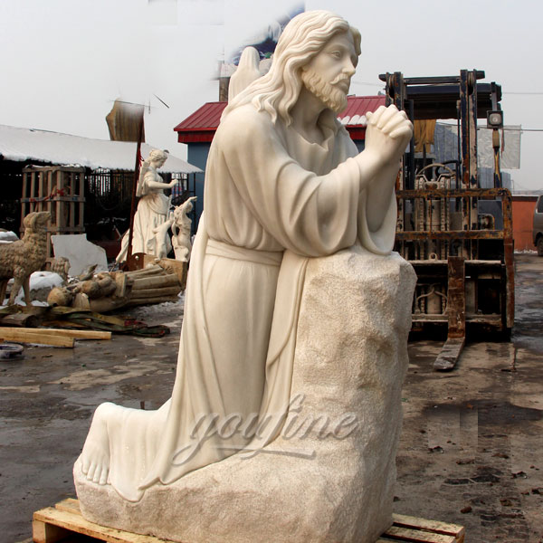 Religious garden statues of Jesus pray for Australian clients