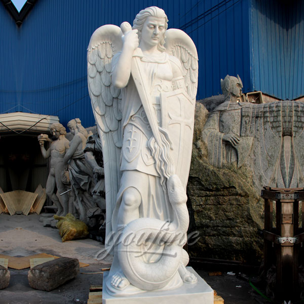 Merveilleux Church Angel Of Religion Statues Of St Michael For Sale